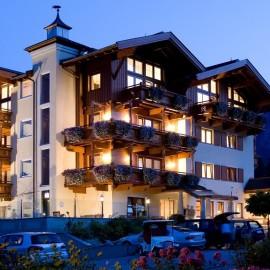 מלון לזוגות ומשפחות בקרבת אגם אכנסי